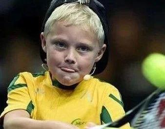 儿童网球教程:从娃娃抓起,为漂亮进攻做准备,击球侧身意识的三种训练方法