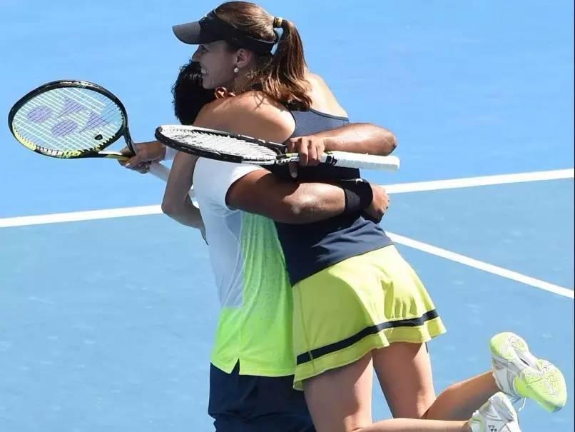 打网球的人秀恩爱的正确方式