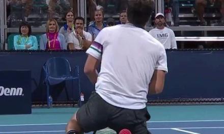 网球真的是高风险运动,不信你看!