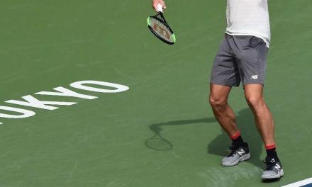 网球职业选手发球前为什么爱勾脚?因为更暴力!
