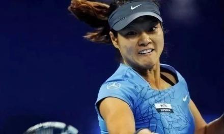 问答:网球正手击球时最好的拍面角度和最佳的击球点,你知道吗?