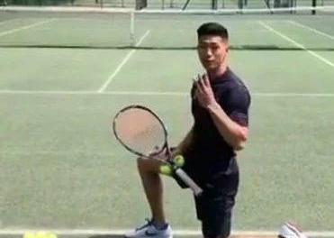 真正有效,网球跪式上旋发球技术视频