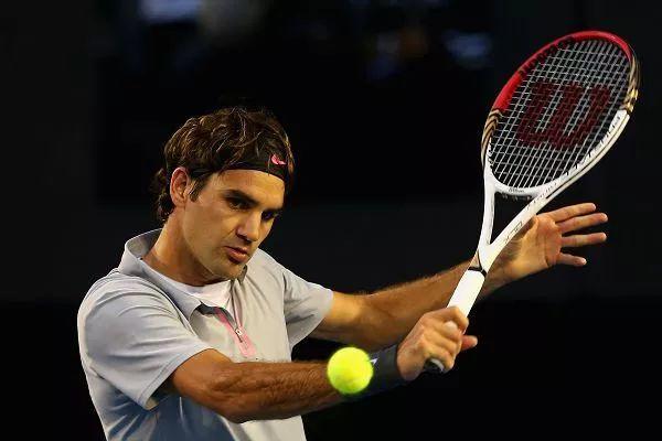 网球攻击性切削球怎么打?引拍幅度是关键!