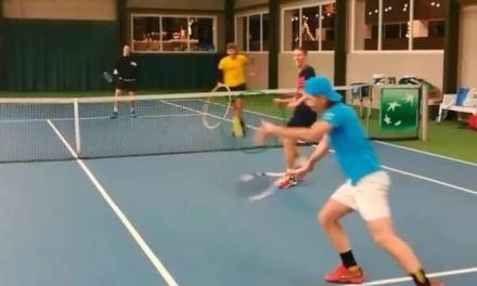 网球热身练习,这也太有意思了吧!