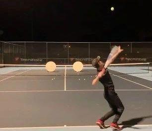 一个人练球,除了打墙你还可以这样做!