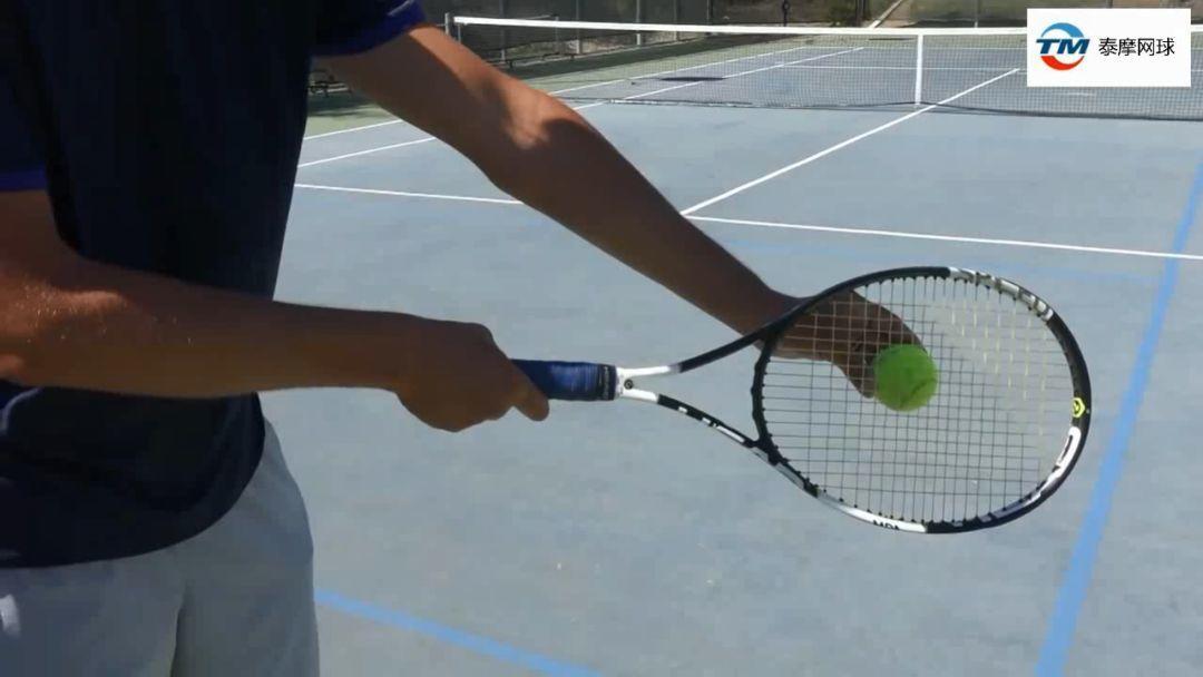网球正手斜线过网急坠三要素:球外侧、拍头速度和上旋