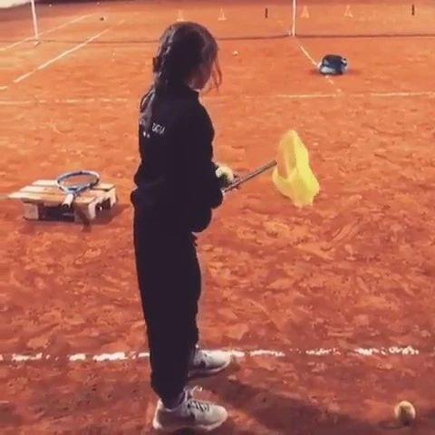 捕蜻蜓式发球练习法,大人小孩都适用!