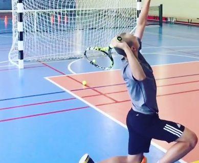 跪式、高障碍慢动作视频,网球上旋发球你懂的