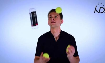 网球玩成这样,帅到没朋友!