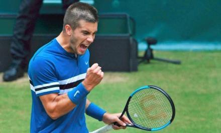 打得好像德约,打得不好像穆雷,但网球职业选手拍模P25让丘里奇战胜费德勒!