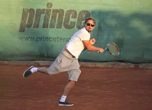 不吹不黑,你给小李这网球水平打几分?