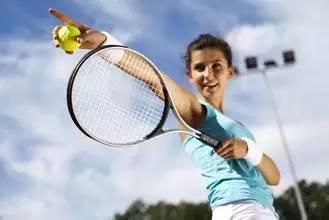 别辜负还能打网球的年纪,一切都还来得及!