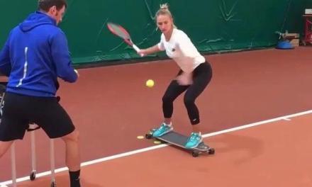 击球稳定性和身体平衡怎么练?你缺的就是块滑板!