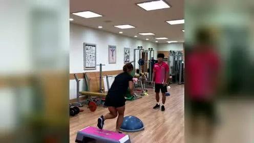 网球室内体能训练视频