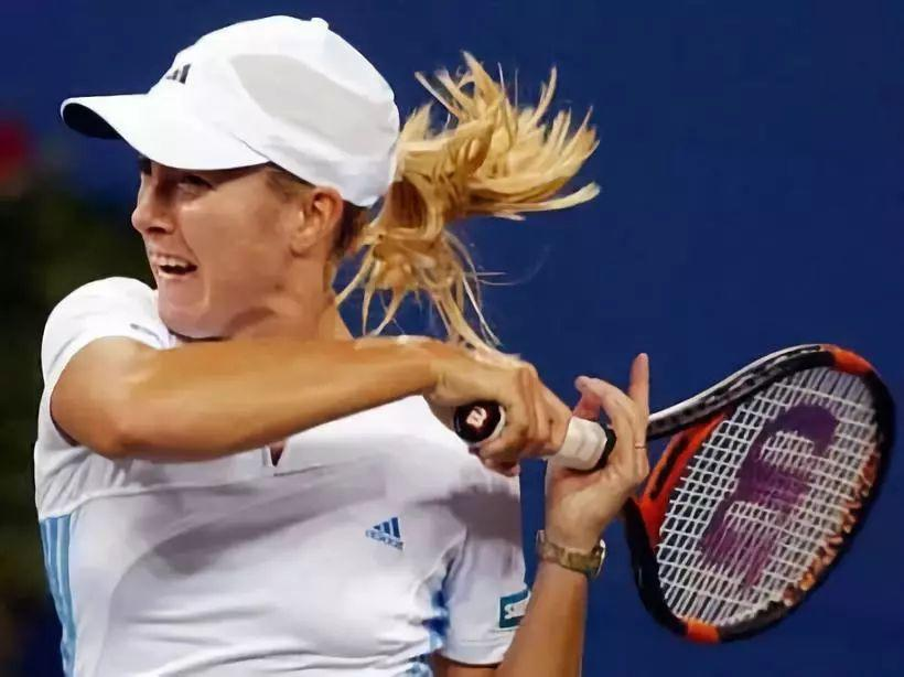 问答:网球强调击球后肘高于肩?你真的想太多了!