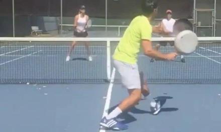 用平底锅也能打网球,而且非常强!