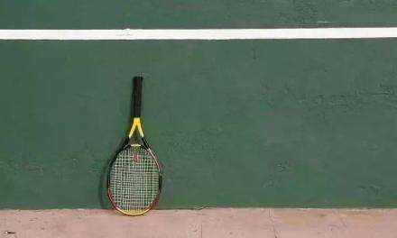 一把球拍一面墙,网球大佬就是这样练成的!