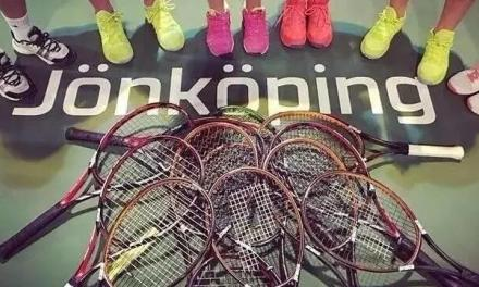 和网球拍做恋人是一种怎样的体验?