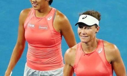 张帅挺进澳网女双决赛,最后一局打得实在太好了!教练都被吓到…