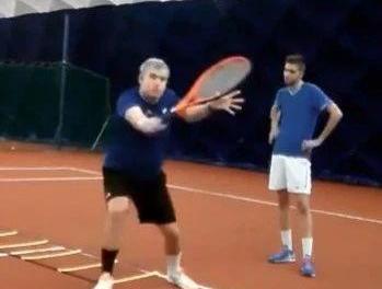 网球截击练习方法集锦,脚步、反应力、高低球都搞定!