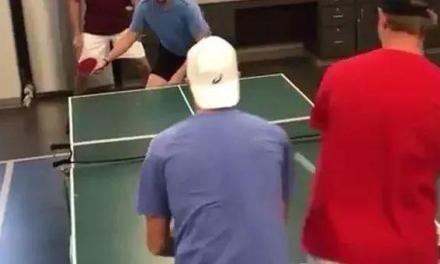 【视频】用网球的方式打乒乓球