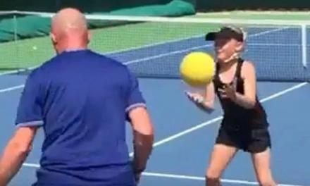 三颗网球练习敏捷性,既实用又有趣!