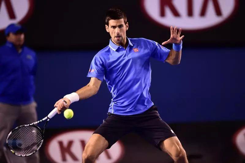 网球正手击球的3个细节,小臂翻转瞬间增加上旋,提高击球力量!