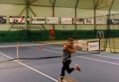 网球交叉步练习方法,步子要大!