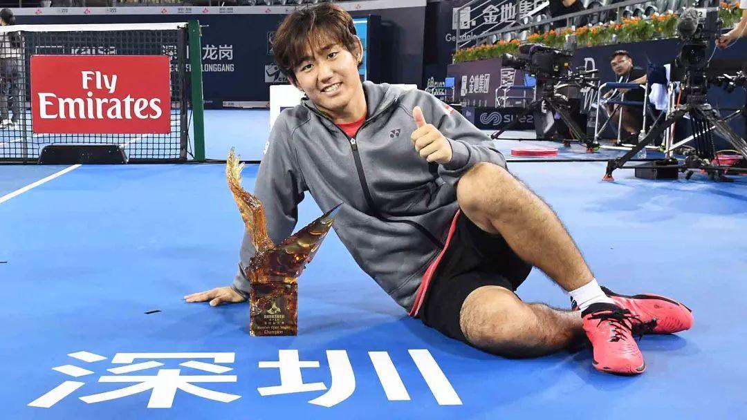 日本二哥西冈良仁,用Yonex市售拍打进大师赛16强!
