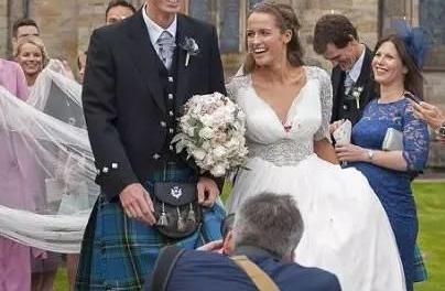『视频』穆雷穿苏格兰传统裙子完成自己的婚礼