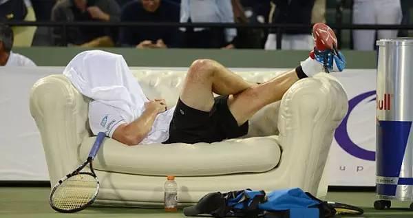 打网球的人为什么自信,原来是因为……