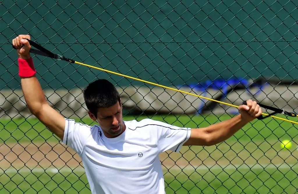 99.9%网球职业运动员都会用弹力绳练习,你为什么要错过?