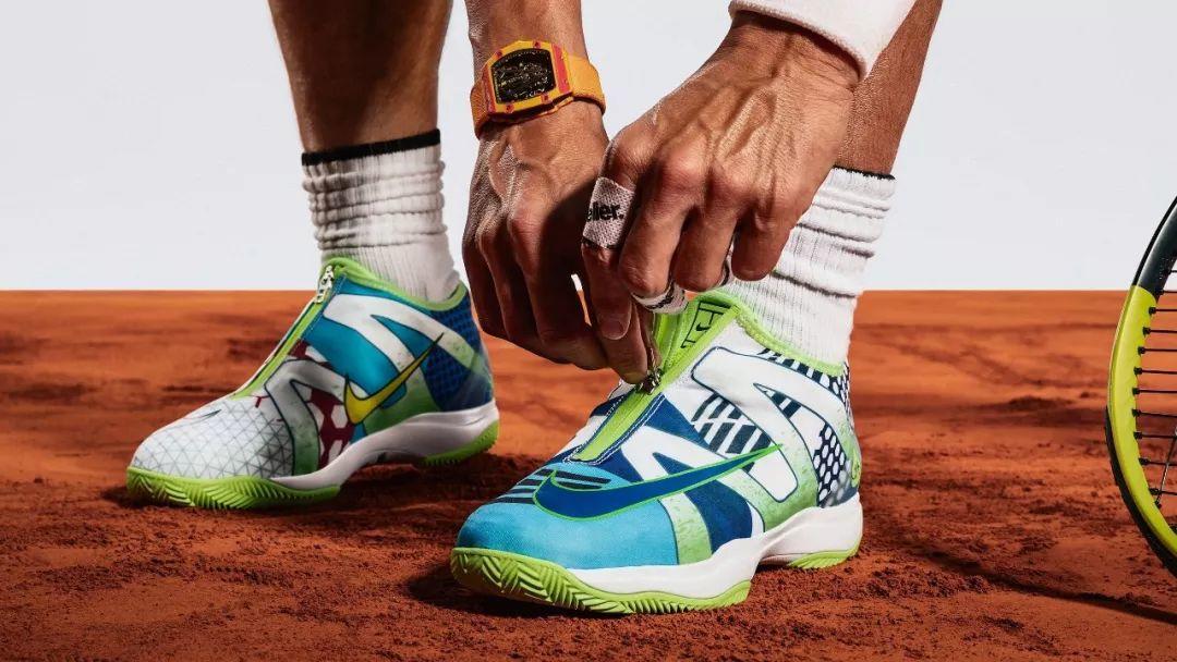 纳达尔果然亲儿子,Nike为了他竟把网球鞋设计成足球鞋?