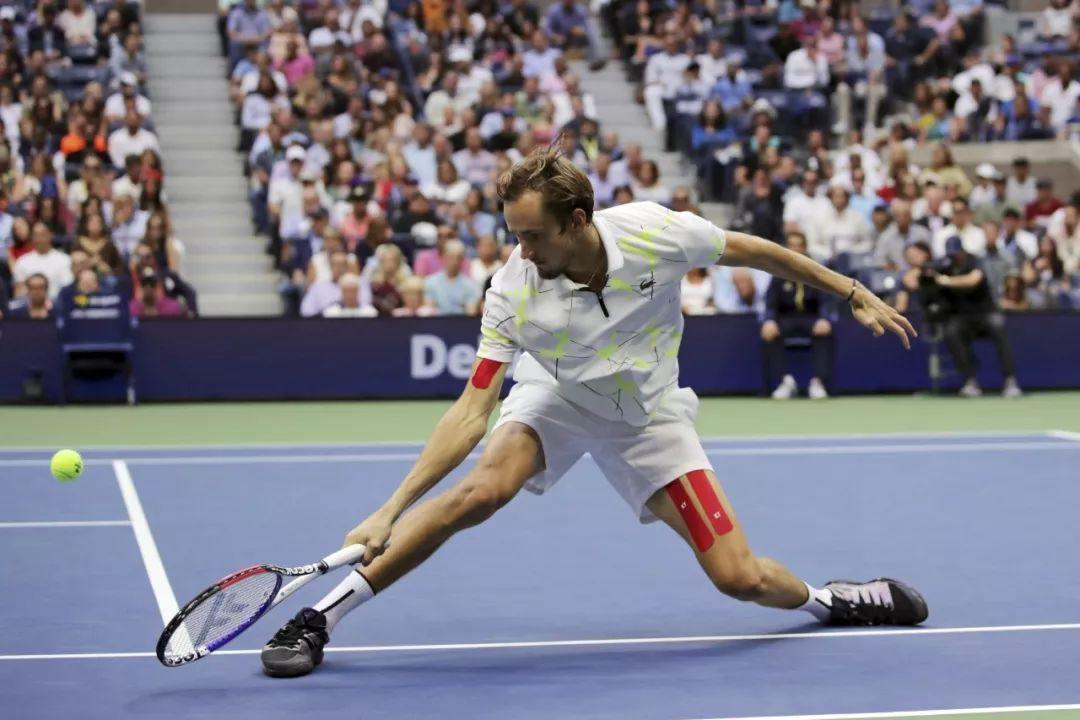 网球教练必收藏!5个基础步伐练习,练完双腿像弹簧根本停不下来