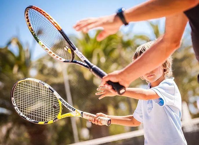 学网球第一步,避免走弯路,如何选择一个好的教练?