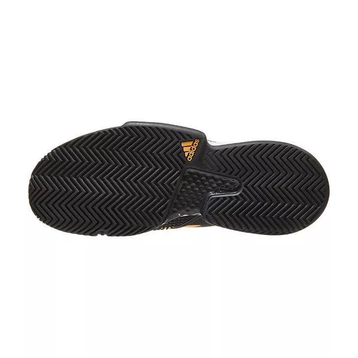 Adidas目前最顶级的一款网球鞋