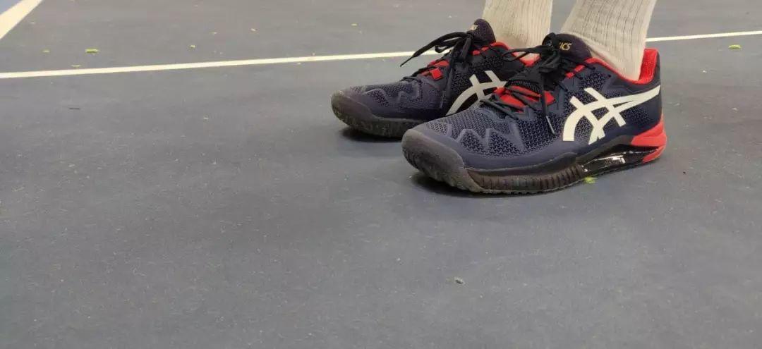 限时折扣,顺丰现货直发!很多职业球员自掏腰包购买这一款鞋子