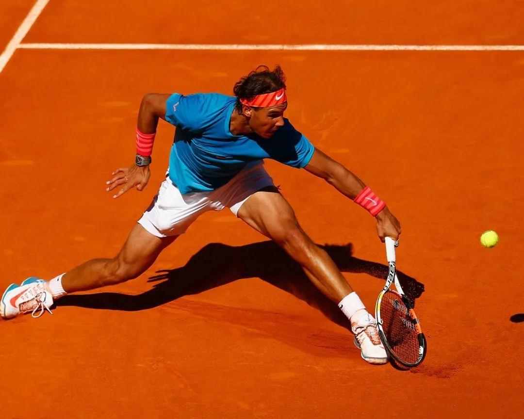 网球进阶练习!力量、速度...这一套动作练下来绝对酸爽