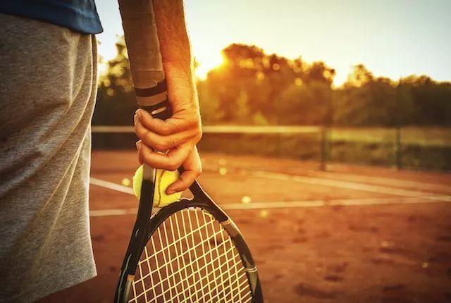 毕业后工作的你,还打网球吗?