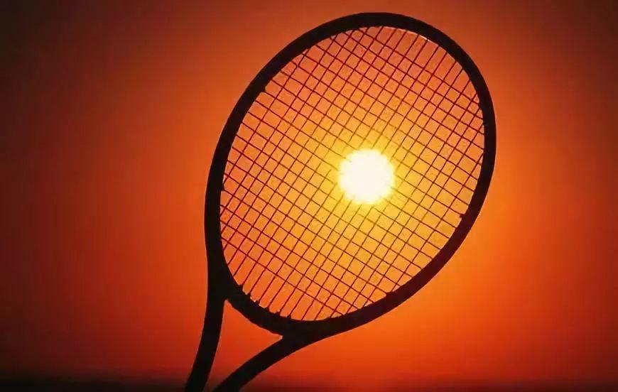 网球到底是绿色?还是黄色?费德勒就是标准答案!