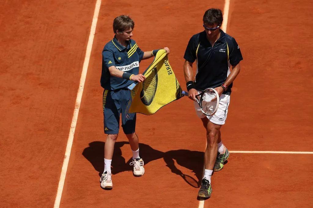 毛巾的多种练习方法,一条毛巾快速提高你的网球技术