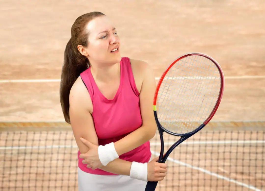 一个动作判断你是否患了网球肘,两张练习图拯救你的网球肘!