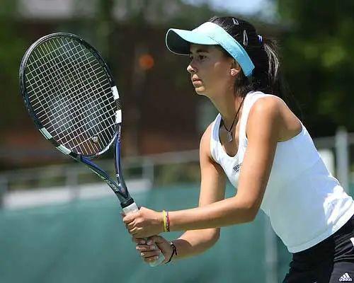 一个网球截击准备小细节,控制不好拍头或者击球软绵无力是因为这?